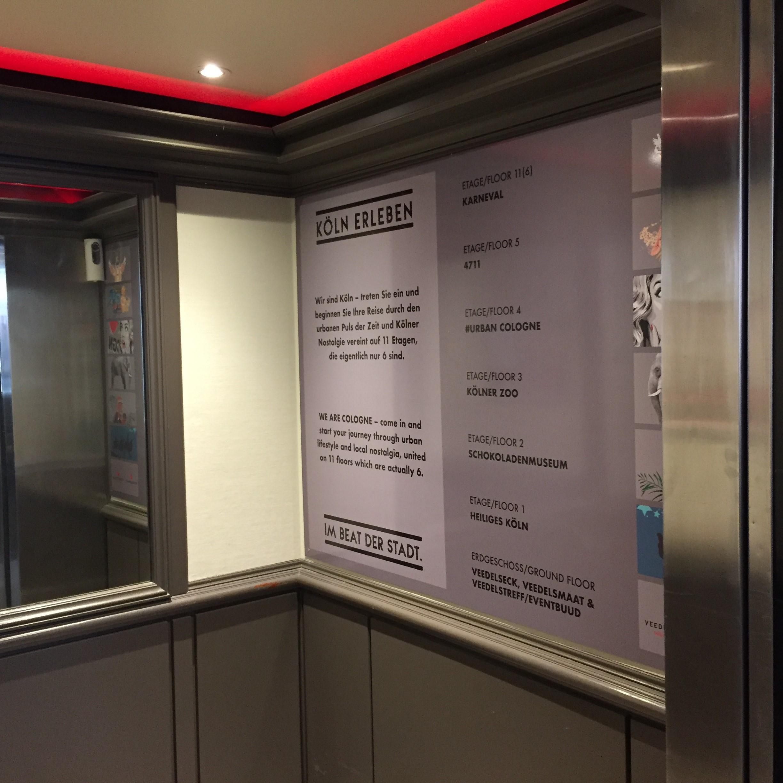 Fahrstuhlschilder